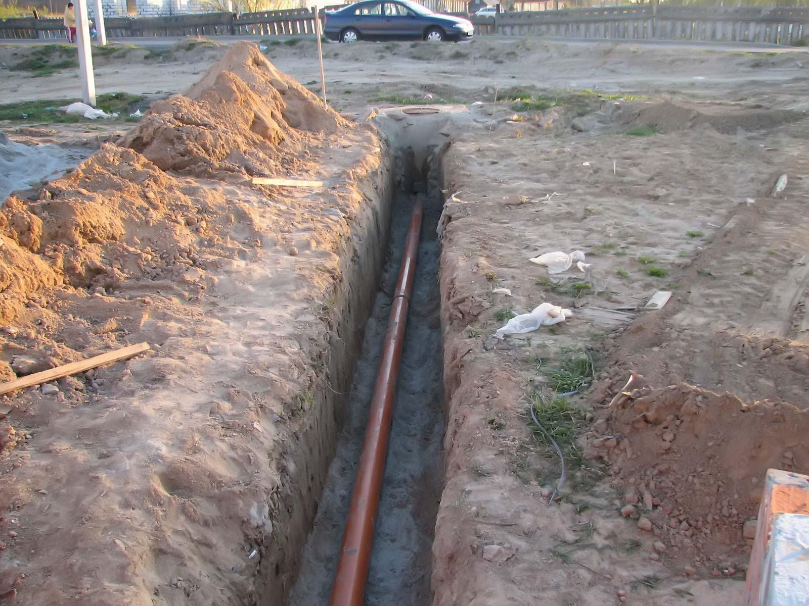 Прокладка труб для наружной канализации