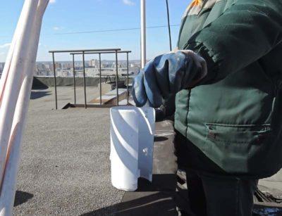 Как устанавливают заглушку на канализацию для должников