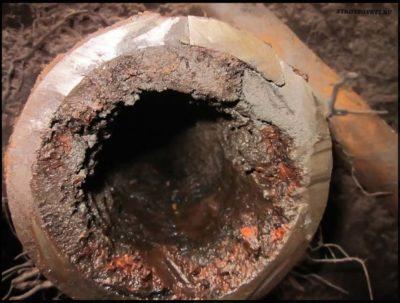 Как в домашних условиях прочистить трубы канализации
