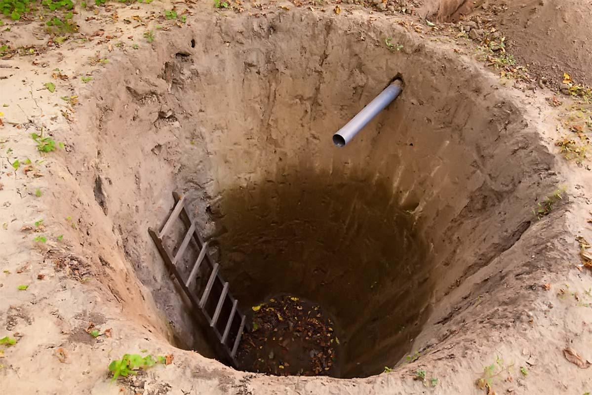 Копаем выгребную яму по правилам самостоятельно