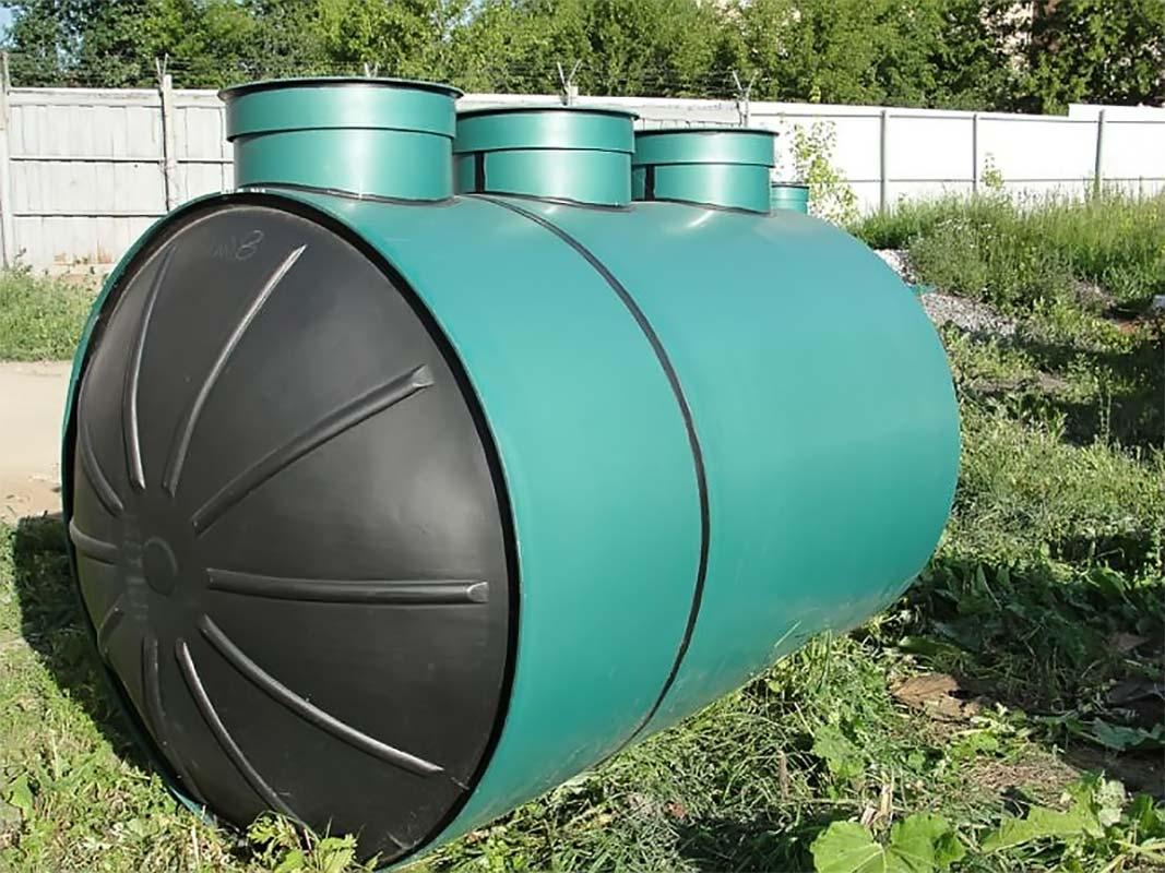 Септик для дома на траве