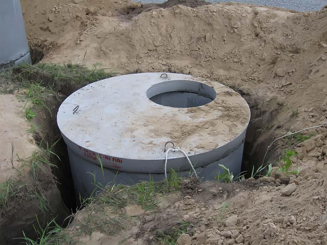 Монтированный бетонный смотровой колодец
