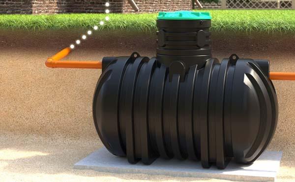 накопителный колодец канализации